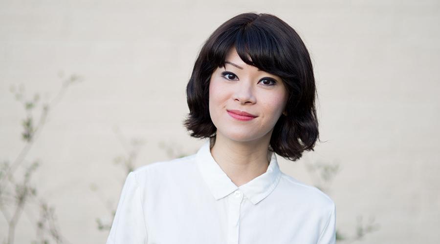 Single Asian Female at La Boite