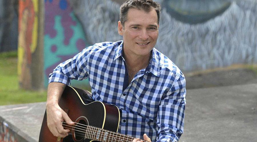Country music sensation Adam Brand to headline the famous Cunnamulla Fella Festival!